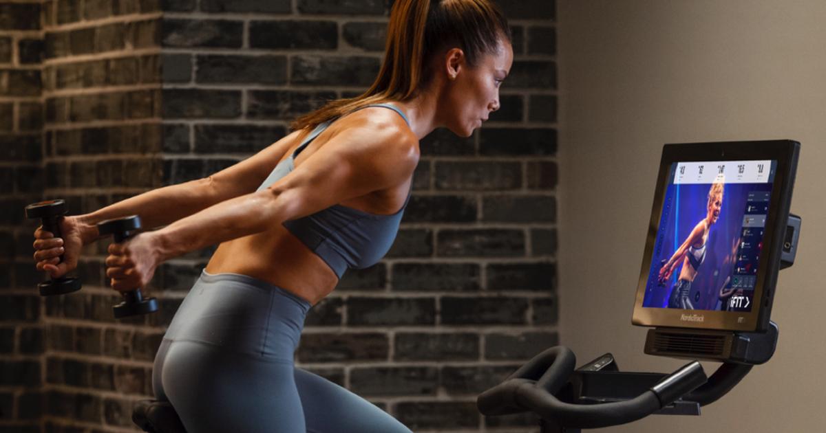 Las mejores ofertas de fitness del Black Friday: The Mirror, NordicTrack, Fitbit