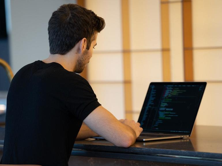Lenguajes de desarrollo web clave con un paquete de clase magistral de $ 35