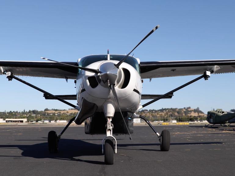 Compañía autónoma de carga aérea entrega vacuna COVID-19