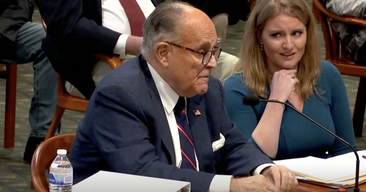 Rudy Giuliani (casi definitivamente) se tiró un pedo mientras se agitaba para anular los resultados de las elecciones de Michigan