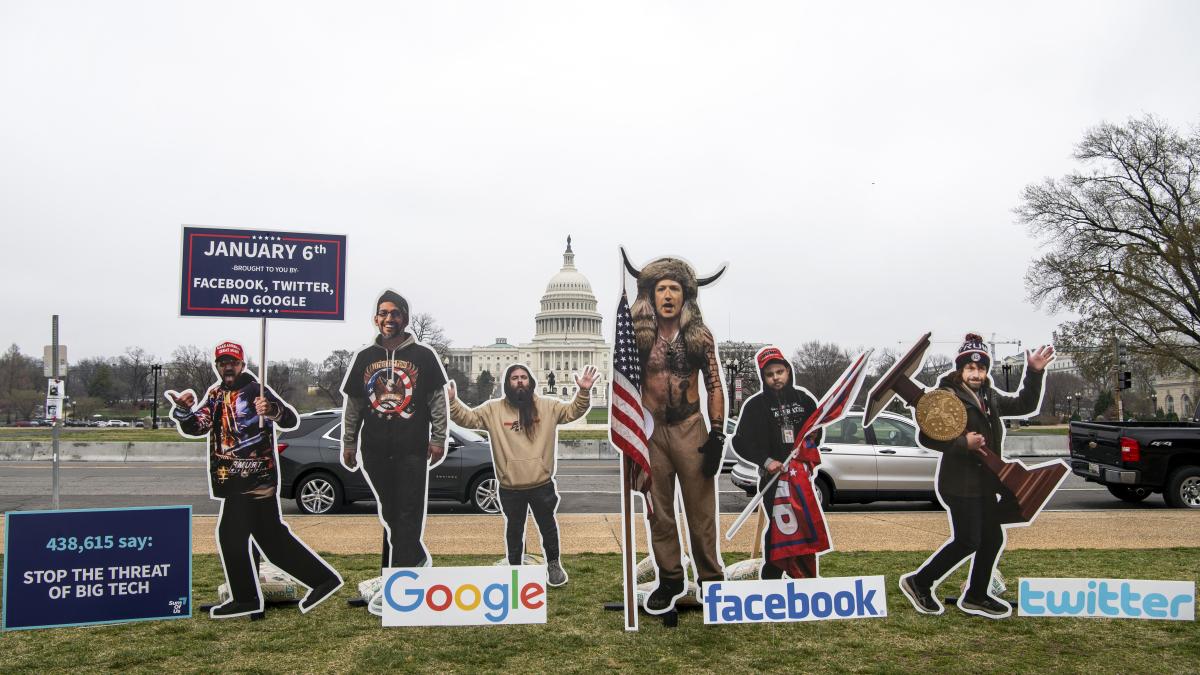 Los estudios muestran que el contenido prohibido sigue prosperando en las plataformas sociales