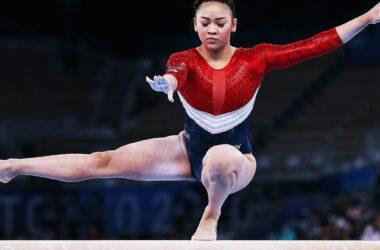Las gimnastas hacen que el giro del lobo parezca fácil.  La física demuestra que no lo es