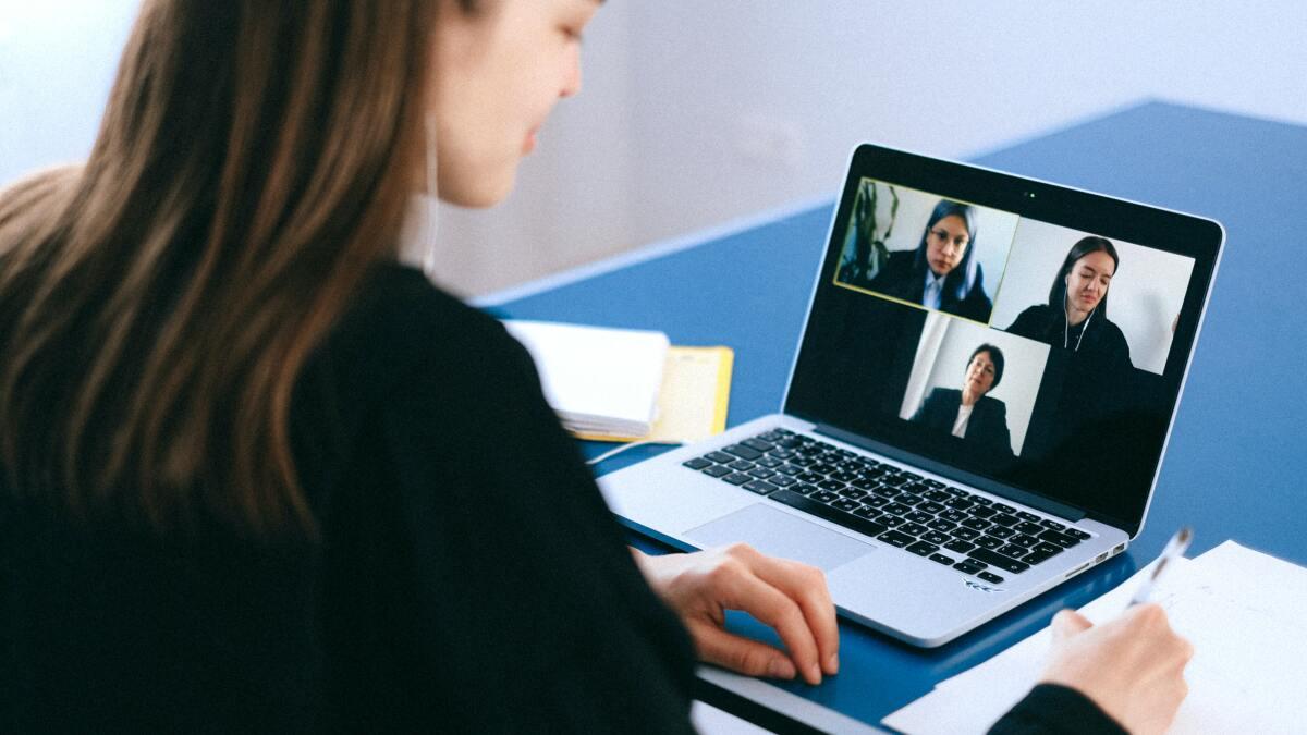 Mejore las reuniones y los seminarios web con el galardonado LiveWebinar Pro